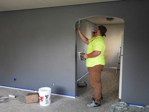 High-Gloss Latex Paint Tips for a Beginner Residential Painter in Northeast Dallas.